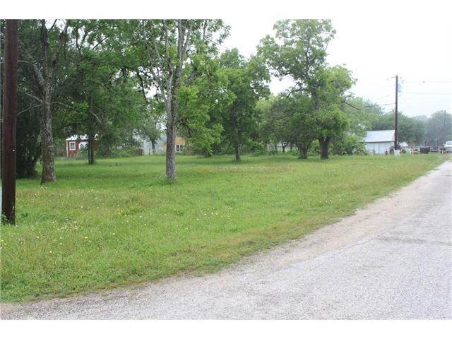 000 S Middle St, Flatonia, TX 78941 (#3142204) :: Forte Properties