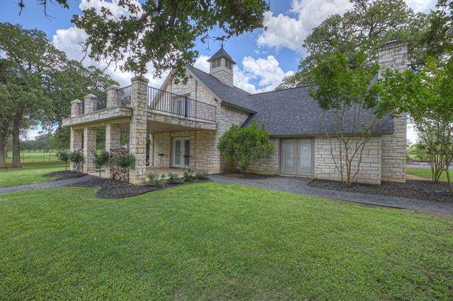 320 Curry Rd, Seguin, TX 78155 (#3741714) :: The Perry Henderson Group at Berkshire Hathaway Texas Realty