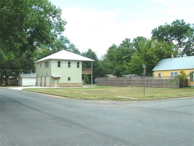 306 Olive St, Smithville, TX 78957 (#4055536) :: Forte Properties