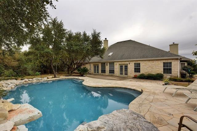 220 Sunset Rdg, Dripping Springs, TX 78620 (#4239484) :: The Gregory Group