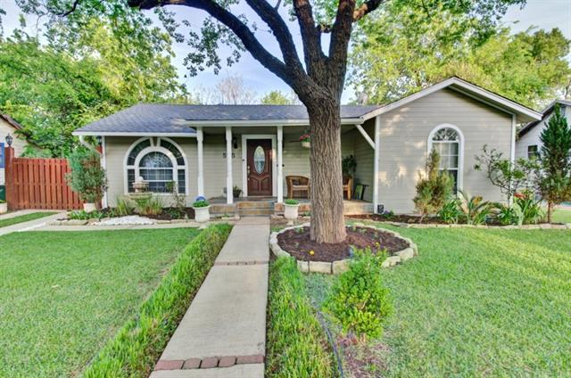 5105 Valley Oak Dr, Austin, TX 78731 (#4390831) :: The ZinaSells Group