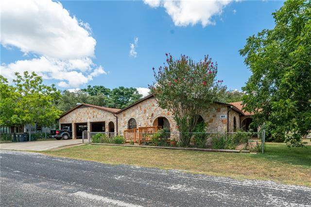 401 W Allen St, Kyle, TX 78640 (#4814385) :: The Summers Group