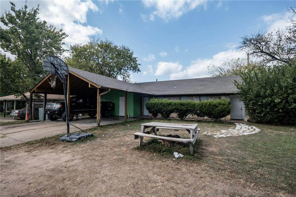 11208 Renel Dr - Photo 1