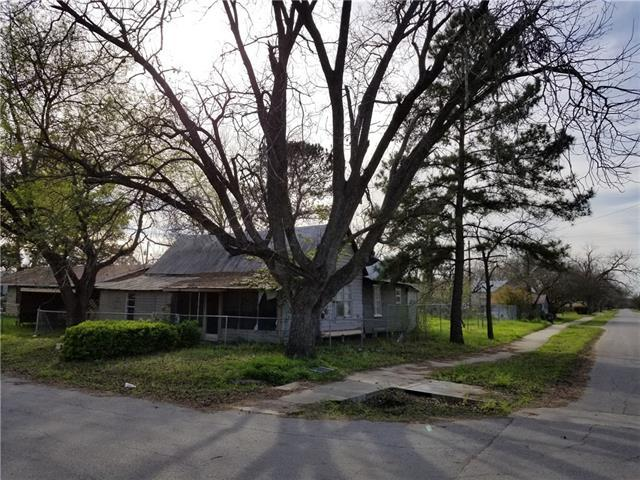 400 Ross St, Smithville, TX 78957 (#5047720) :: Watters International