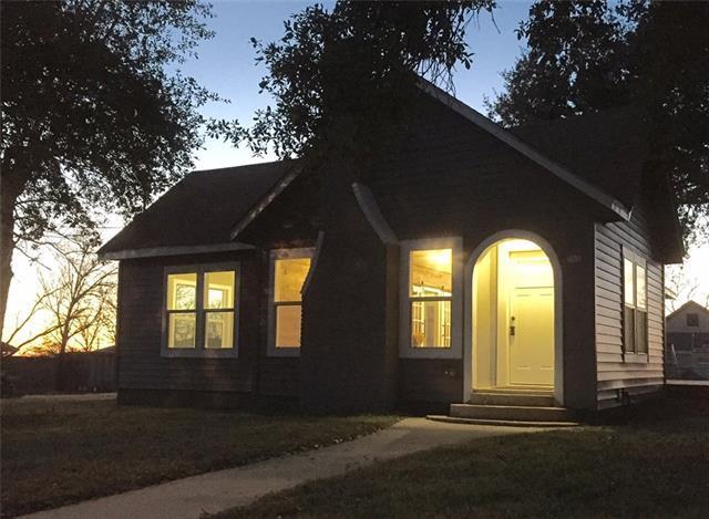 385 S Caldwell St, Giddings, TX 78942 (#5149080) :: Watters International