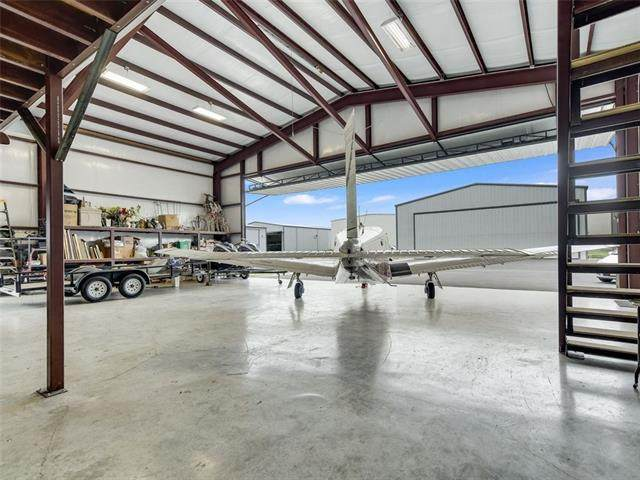222 Airstrip Rd, Spicewood, TX 78669 (#5255052) :: The Perry Henderson Group at Berkshire Hathaway Texas Realty