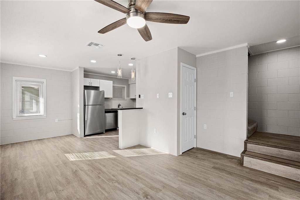 2612 Rogers Ave - Photo 1