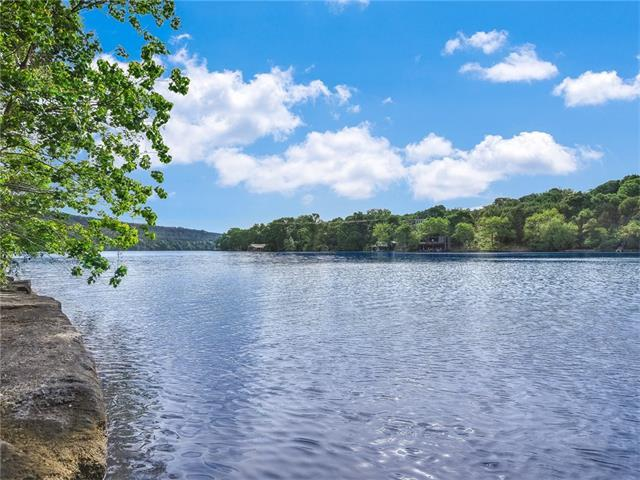 7400 Coldwater Canyon Rd, Austin, TX 78730 (#5625677) :: The ZinaSells Group