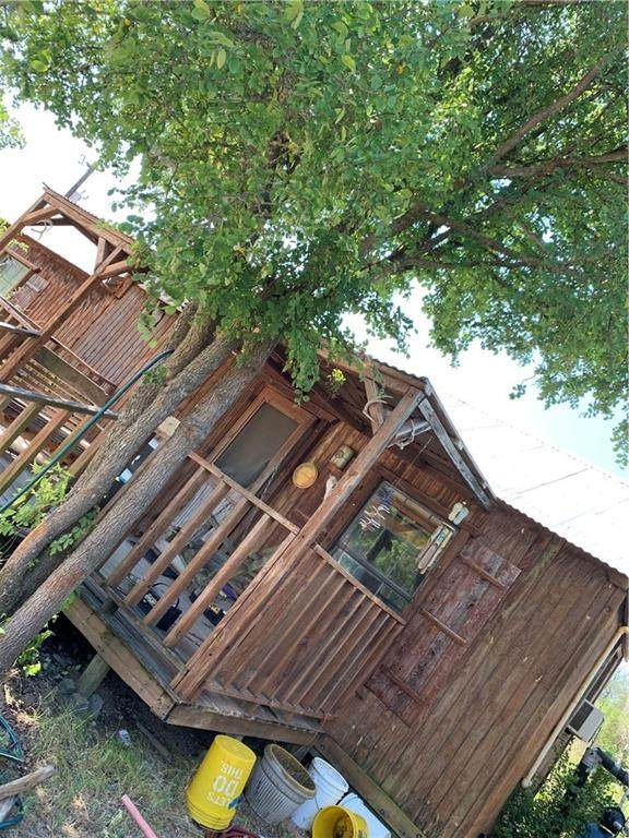 5801 County Road 200, Liberty Hill, TX 78642 (#6208295) :: Lauren McCoy with David Brodsky Properties