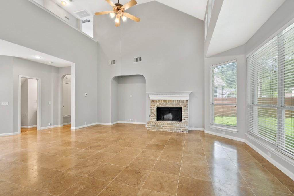 10724 Thoroughbred Dr - Photo 1