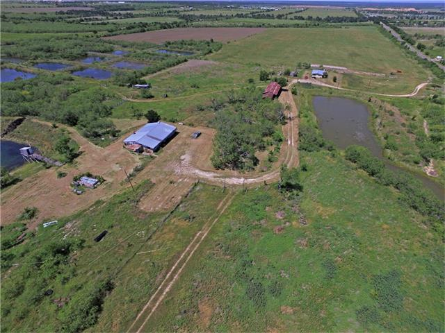 6300 Wolf Ln, Del Valle, TX 78617 (#6571494) :: Watters International