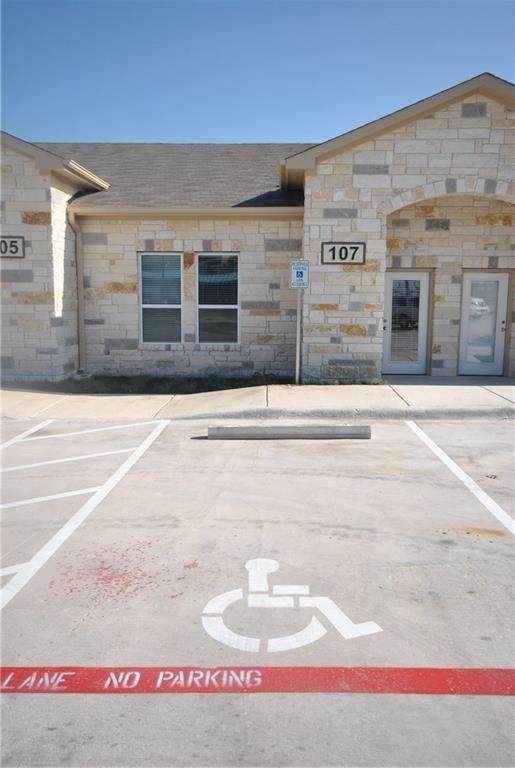209 S 12th St #107, Pflugerville, TX 78660 (#6667987) :: The Perry Henderson Group at Berkshire Hathaway Texas Realty