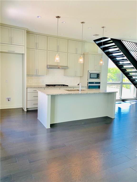 2607 Sutherland St, Austin, TX 78746 (#8234790) :: Ana Luxury Homes