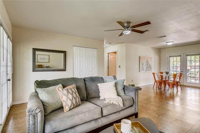 111 Rodriguez St, Kyle, TX 78640 (#8242346) :: Papasan Real Estate Team @ Keller Williams Realty