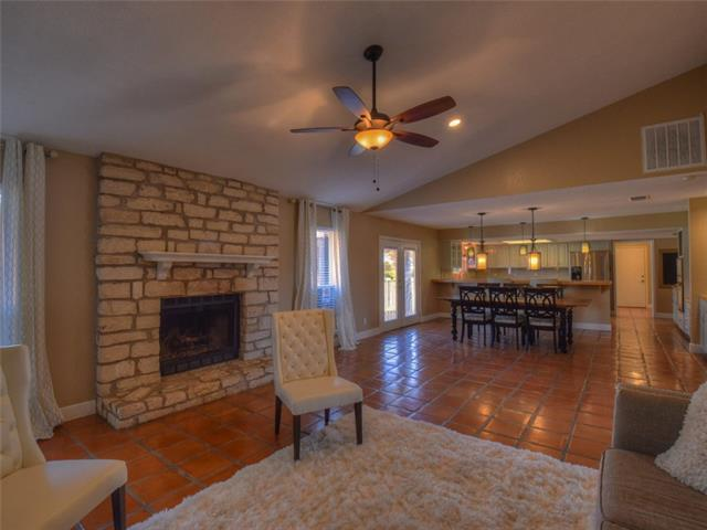 424 Dasher Dr, Lakeway, TX 78734 (#8950324) :: The ZinaSells Group