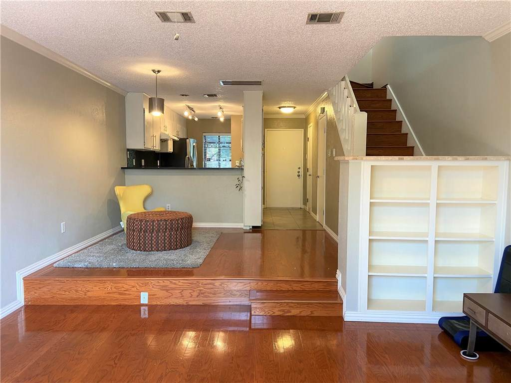 7122 Wood Hollow Dr - Photo 1