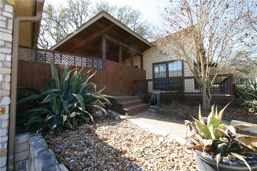 10704 Lakeview Dr - Photo 1