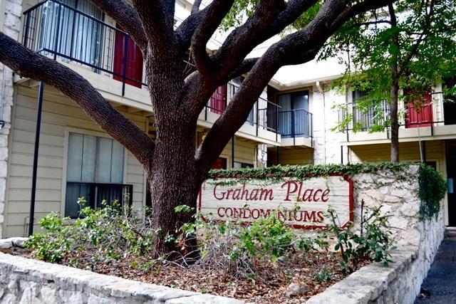 708 Graham Pl #205, Austin, TX 78705 (#9125541) :: Van Poole Properties Group