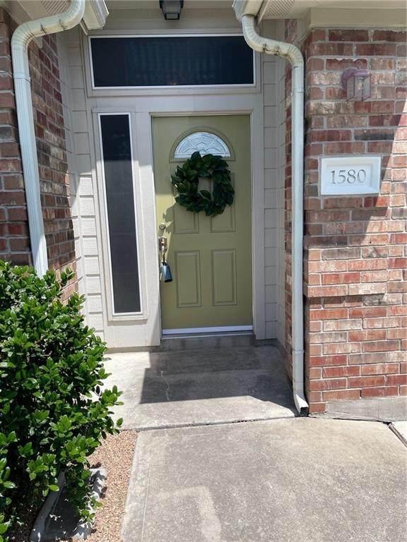 1580 Amberwood Loop, Kyle, TX 78640 (#9410161) :: Papasan Real Estate Team @ Keller Williams Realty