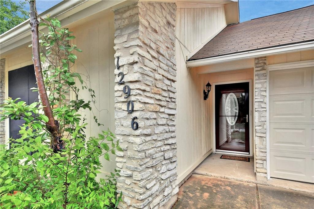 12906 Irongate Ave, Austin, TX 78727 (#9711111) :: Austin Portfolio Real  Estate - The Bucher Group