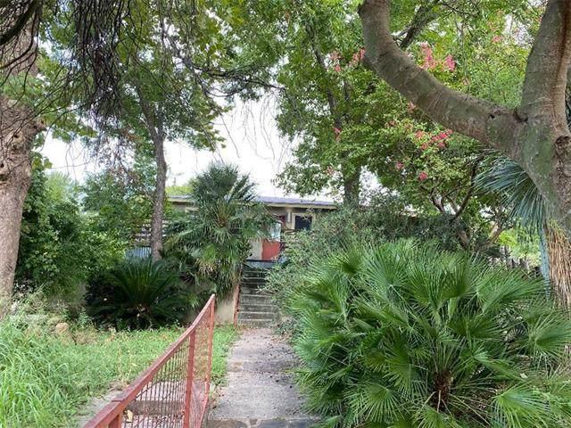 2310 E 9th St, Austin, TX 78702 (MLS #3877056) :: Vista Real Estate