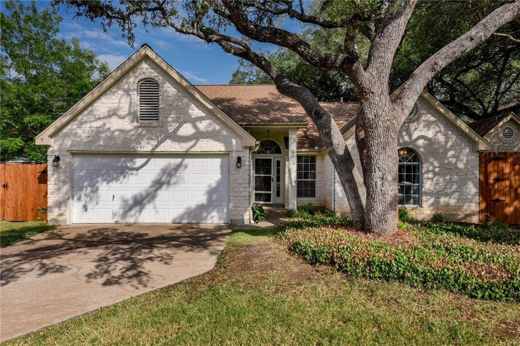 1813 Blue Bell Dr - Photo 1
