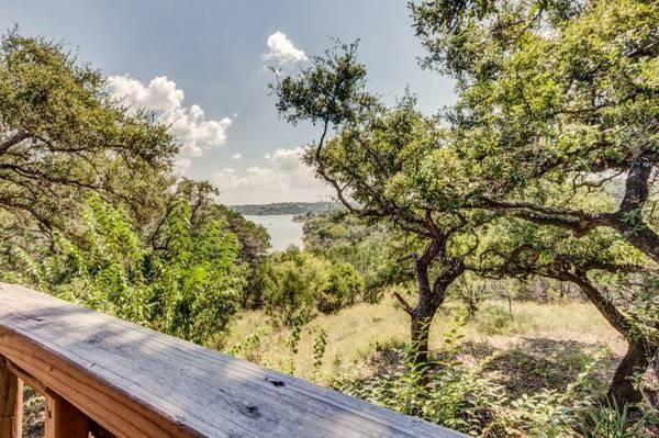 131 Tally Ho Rd, Spicewood, TX 78669 (#7360916) :: The Perry Henderson Group at Berkshire Hathaway Texas Realty