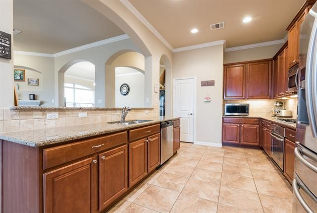 1922 Summit Hill Dr, Georgetown, TX 78626 (#8356182) :: RE/MAX Capital City