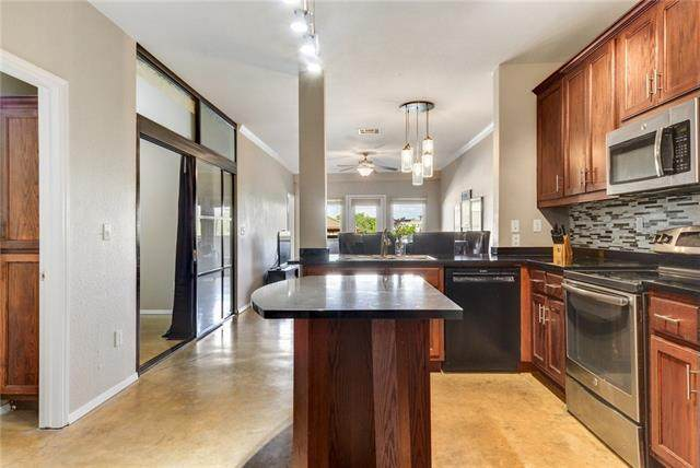 910 W 25th St #304, Austin, TX 78705 (#9701151) :: Lauren McCoy with David Brodsky Properties