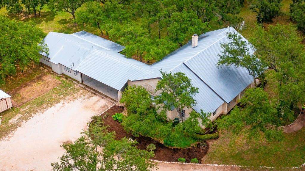 9190 Ranch Road 1869 - Photo 1