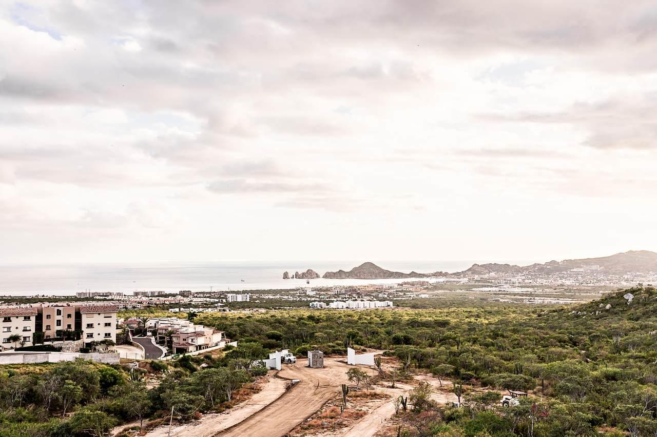 Penthouse Residencial Cabo Corridor - Photo 1