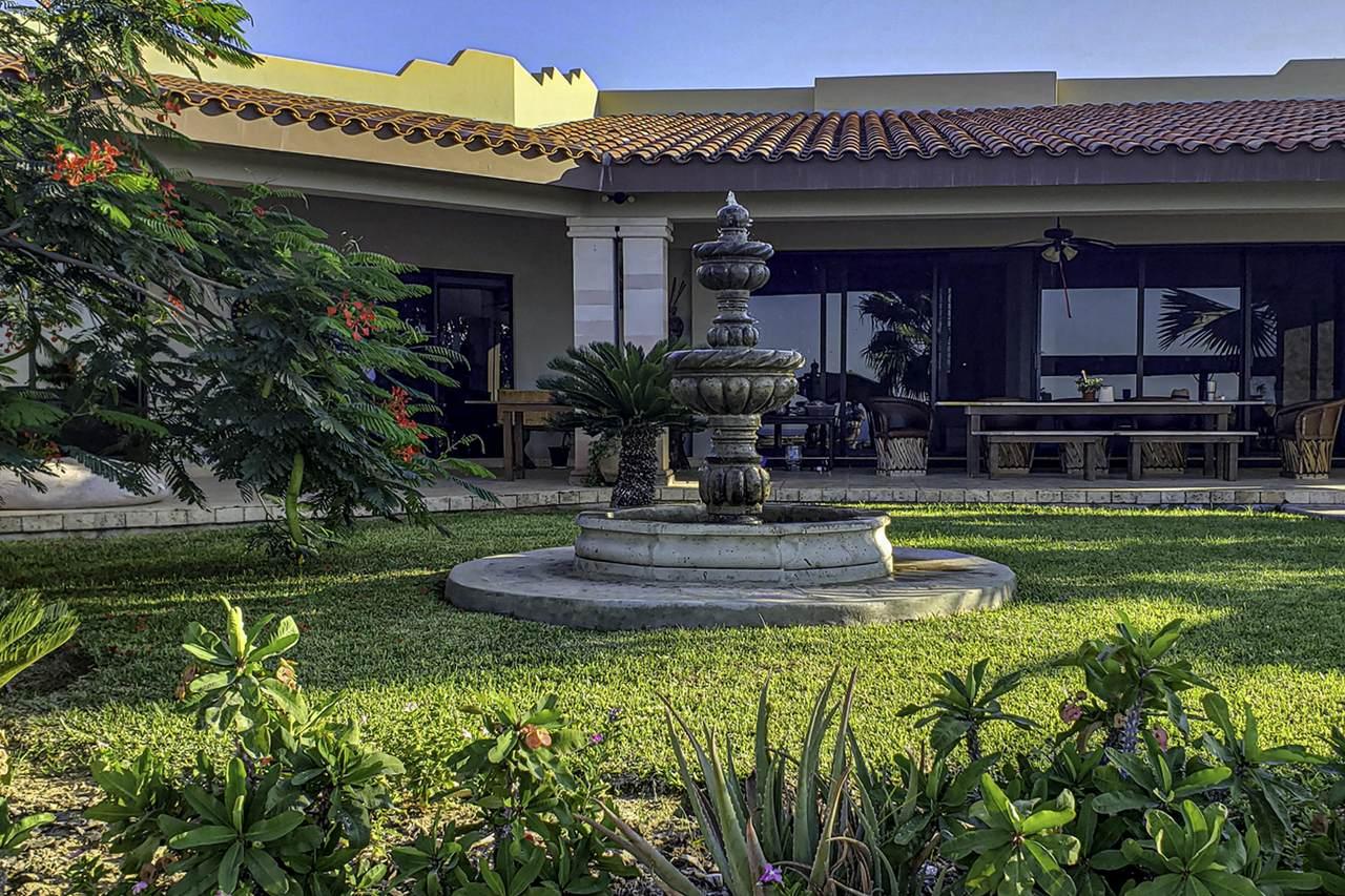 Casa Valdez - Photo 1