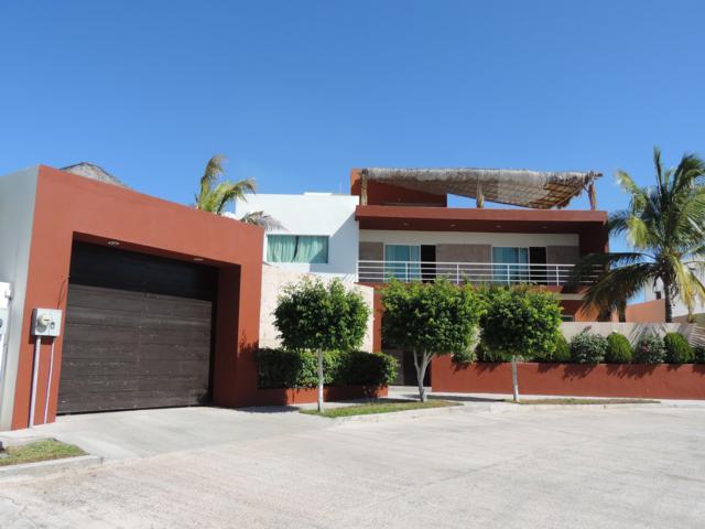 360 Islenos, La Paz, BS  (MLS #18-2937) :: Los Cabos Agent
