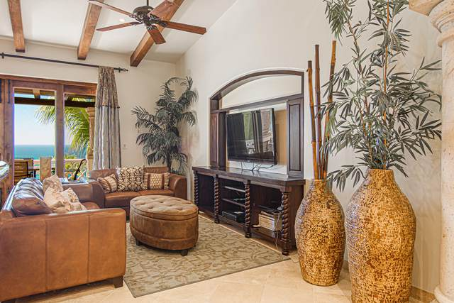 Penthouse Phase I C302, San Jose del Cabo, BS  (MLS #21-1446) :: Coldwell Banker Riveras