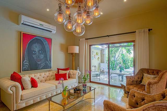 435 Bugambilia Street, La Paz, BS  (MLS #20-1900) :: Own In Cabo Real Estate