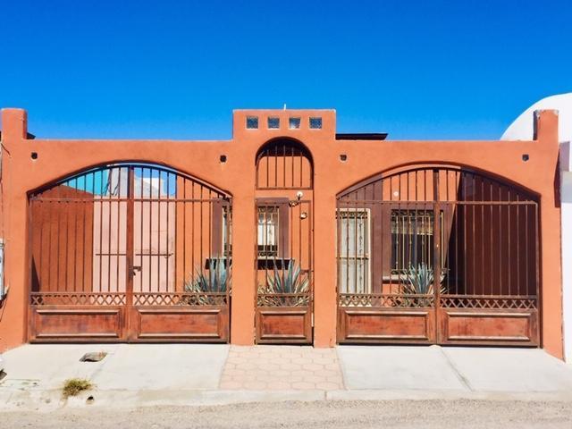 130 Villa Natalia, La Paz, BS  (MLS #19-1548) :: Los Cabos Agent