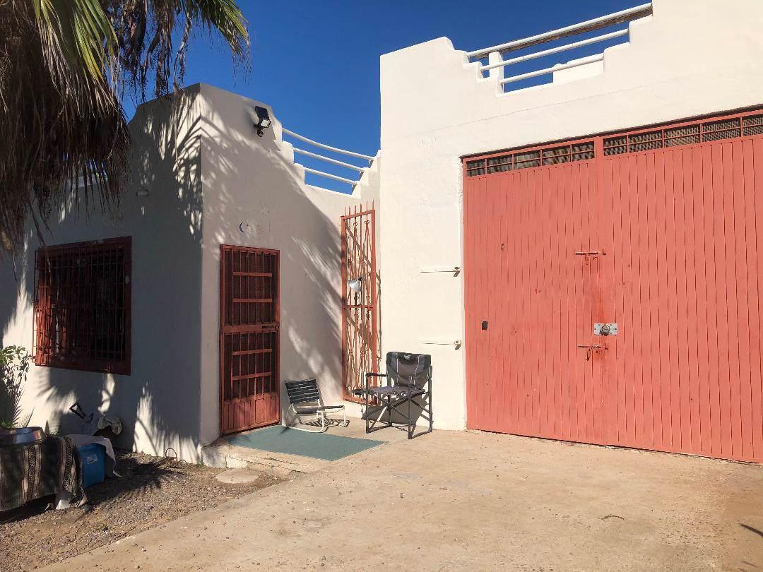 Calle Sin Nombre - Photo 1