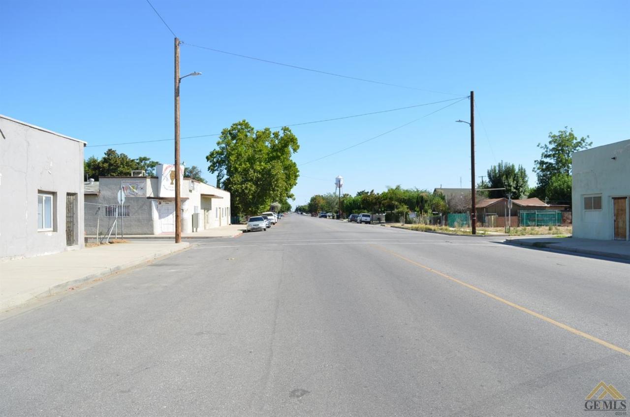1209 E Street - Photo 1
