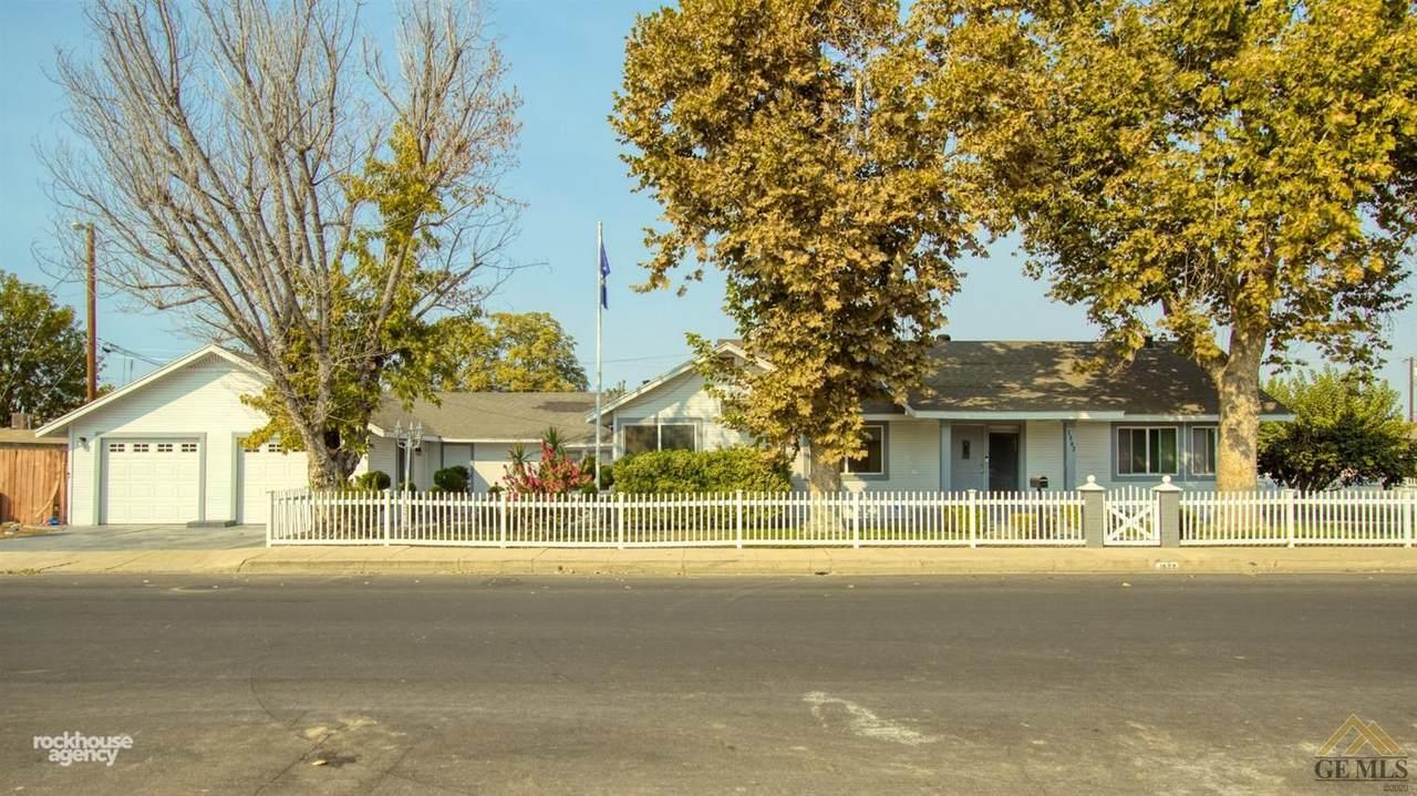 1502 Sycamore Drive - Photo 1