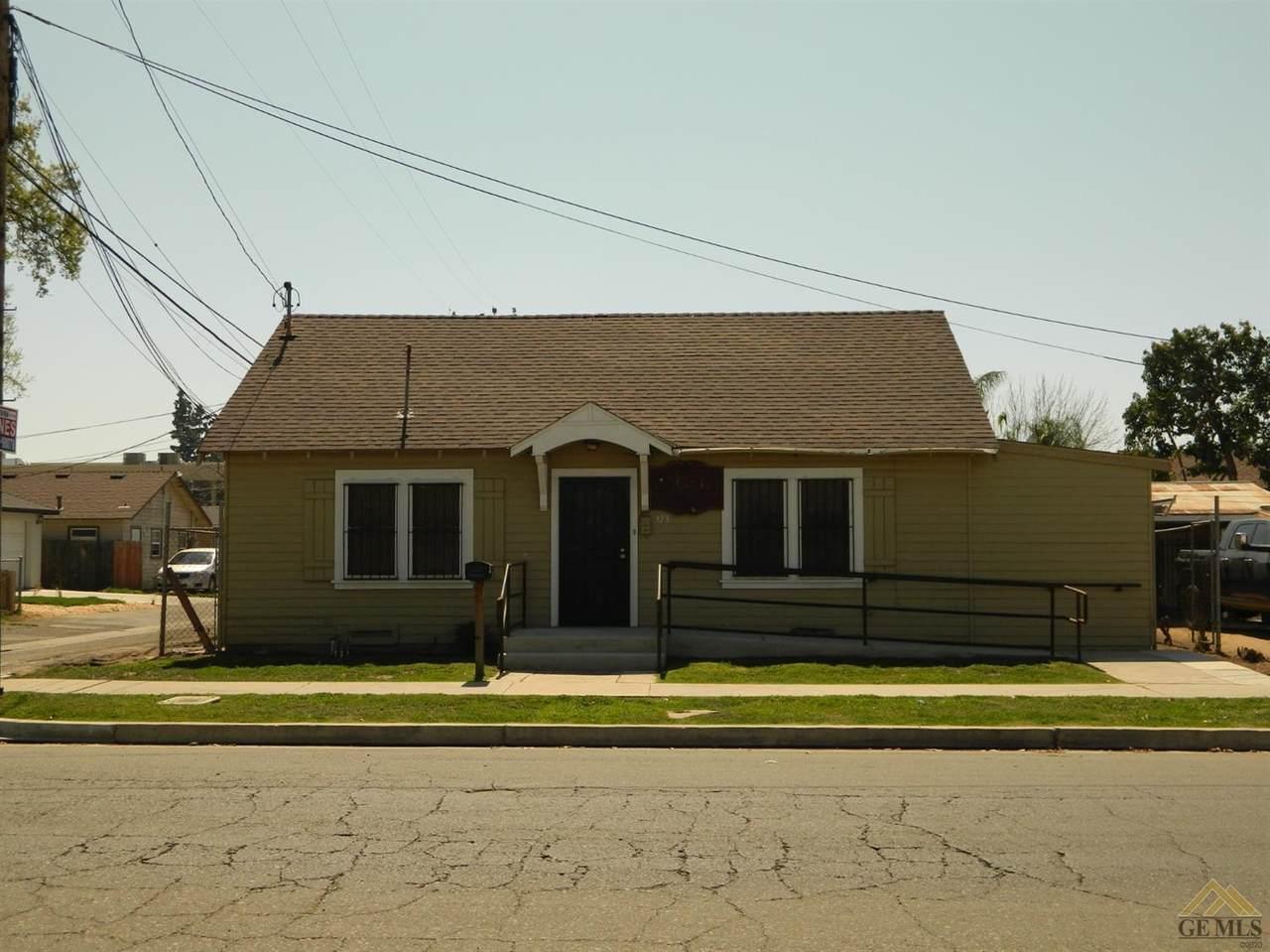 323 E. San Joaquin Ave. - Photo 1