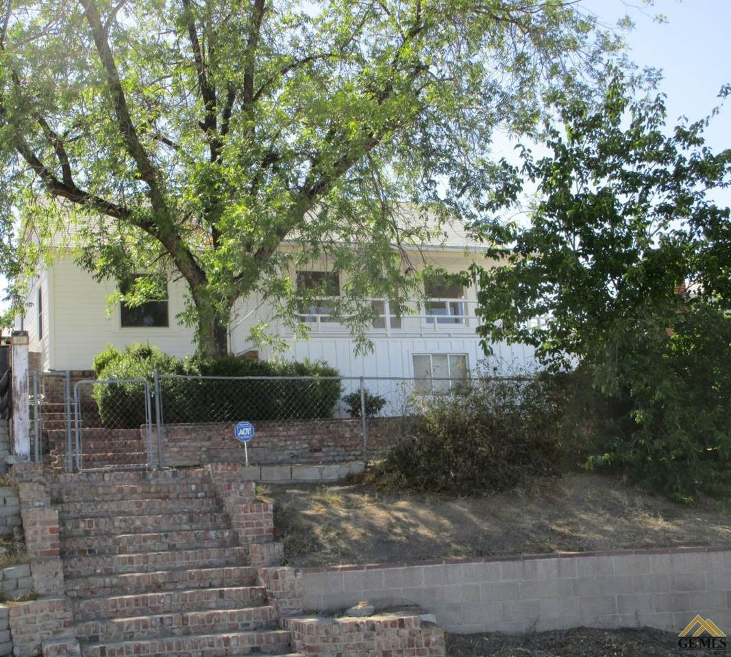 517 Garfield Avenue - Photo 1
