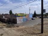 2437 Oak Street - Photo 5