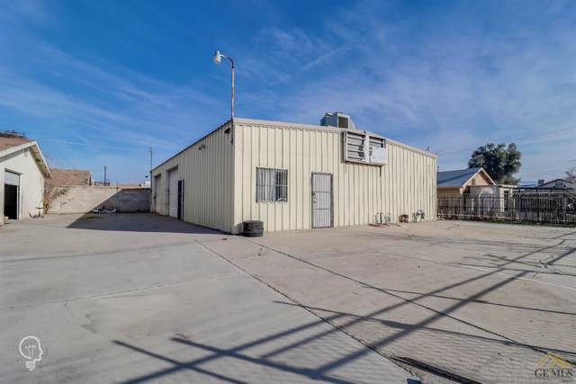 2700 Citrus Avenue, Bakersfield, CA 93307 (#202000154) :: HomeStead Real Estate