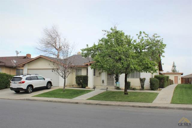 2112 Courtleigh Drive, Bakersfield, CA 93309 (#202002493) :: HomeStead Real Estate