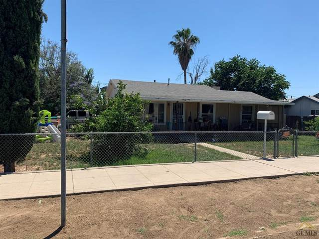 1131 Quincy Street, Bakersfield, CA 93305 (#202005111) :: HomeStead Real Estate