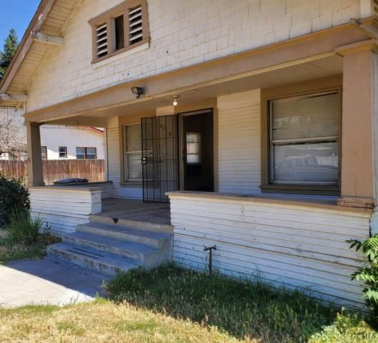 2115 Palm Street, Bakersfield, CA 93304 (#202006648) :: HomeStead Real Estate