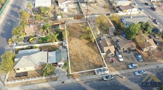 704 E 10th Street, Bakersfield, CA 93307 (#202012856) :: HomeStead Real Estate