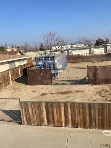 924 M Street, Bakersfield, CA 93301 (#202100325) :: HomeStead Real Estate