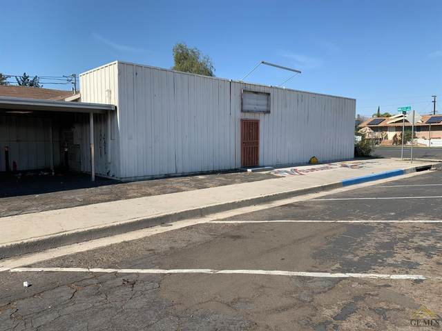 1431 Niles St, Bakersfield, CA 93305 (#202101944) :: HomeStead Real Estate