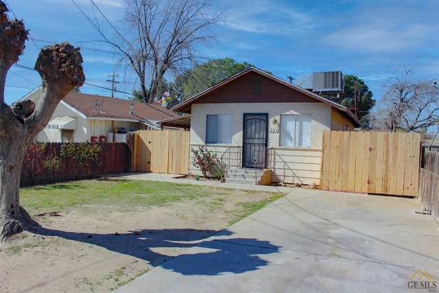 321 Hughes Lane, Bakersfield, CA 93304 (#202101961) :: HomeStead Real Estate